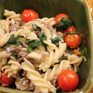 Fusilli Pasta with Spinach, Mushrooms & Tomatoes