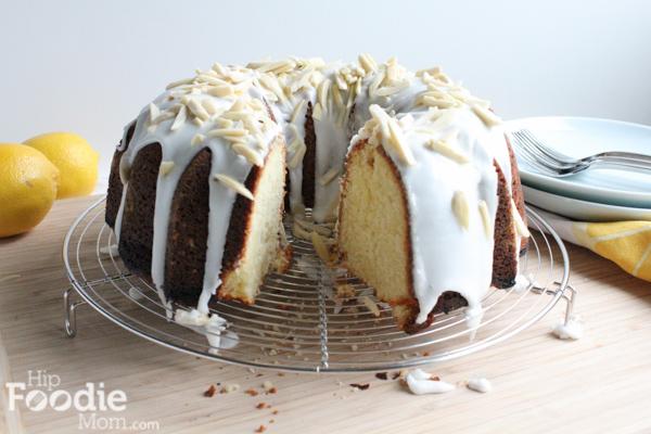 lemon_bundt_cake_cut_HipFoodieMom.com-18