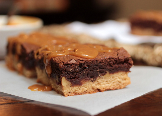 Caramel Congo Bars close up | Vintage Kitchen