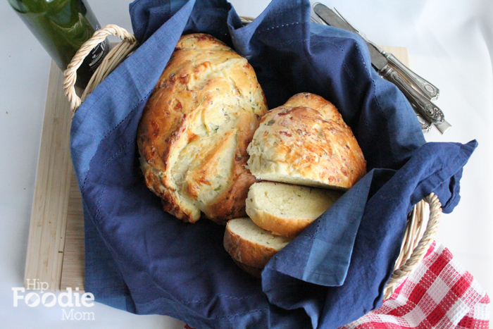 cheddar chive bread basket full | hip foodie mom