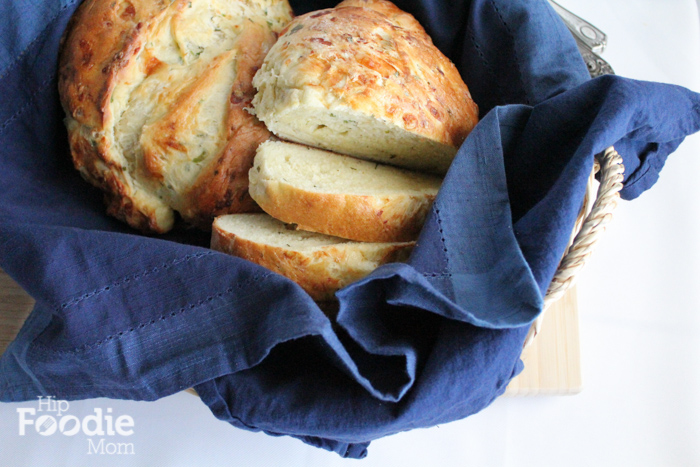 cheddar chive bread | hip foodie mom_basket_light