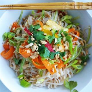 Fresh Asian Noodle Bowl for #WeekdaySupper