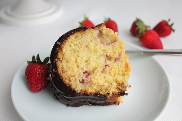 Strawberry and Orange Bundt Slice | HipFoodieMom.com