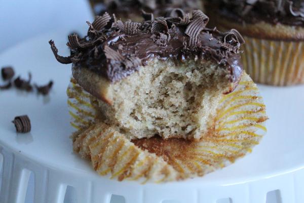 inside cupcake | HipFoodieMom.com