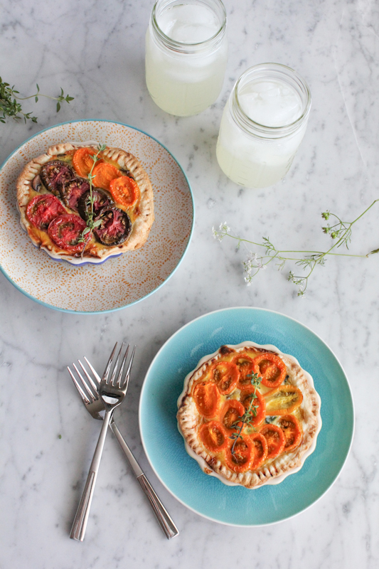 Mini Heirloom Tomato Quiche Tarts . . perfect for Sunday brunch! #Easter #brunch #quiche