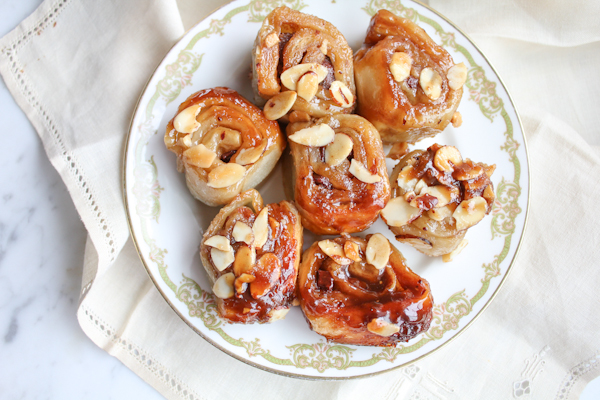 Cheater Sticky Buns_main | HipFoodieMom.com