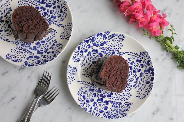 Cinnamon Chocolate Bundt Cake_2 | HipFoodieMom.com