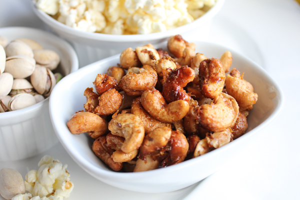 Orange Spiced Cashews | HipFoodieMom.com