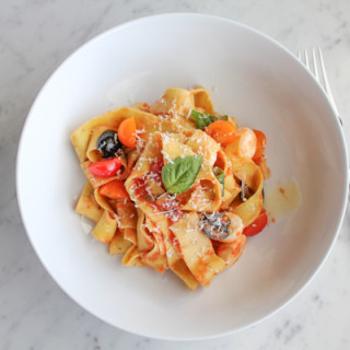 Pappardelle with Tomatoes and Basil