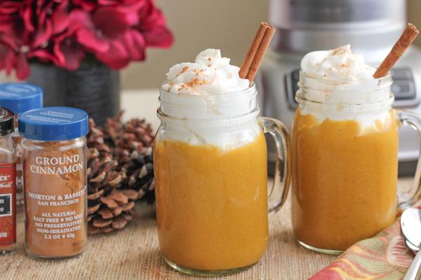 Pumpkin Spice Smoothies | HipFoodieMom.com