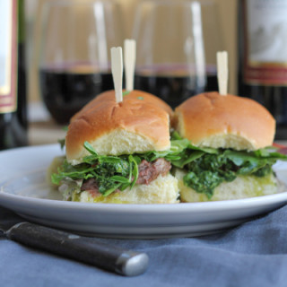Grilled Steak Sliders with Chimichurri Sauce for a Gallo #SundaySupper