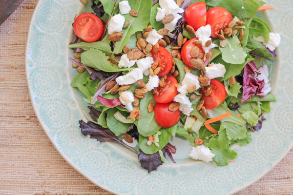 Simple Goat Cheese Salad_main | HipFoodieMom.com