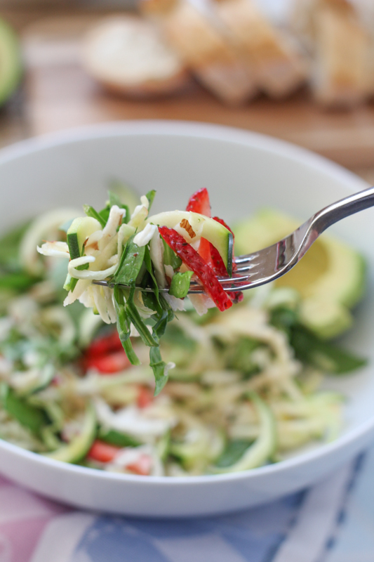 Apple, Spinach and Zucchini Salad!!! A wonderful, light and easy to whip up summer salad! Use up your garden zucchini and give this salad a try!