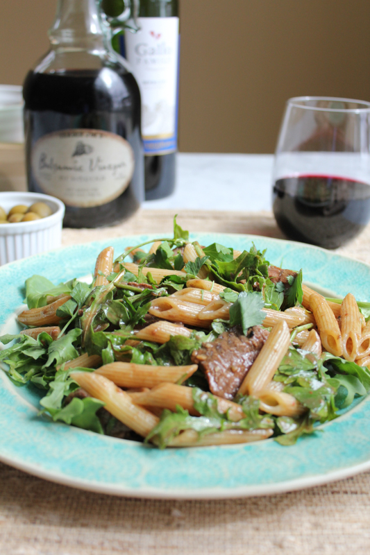 Penne Salad with Beef and Arugula_vert_main | HipFoodieMom.com