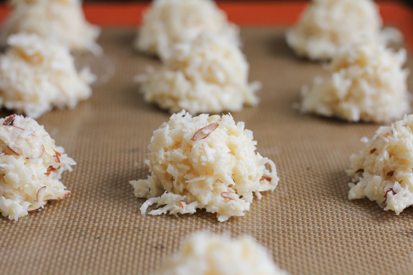 Gluten Free Chocolate Coconut Macaroons_preoven