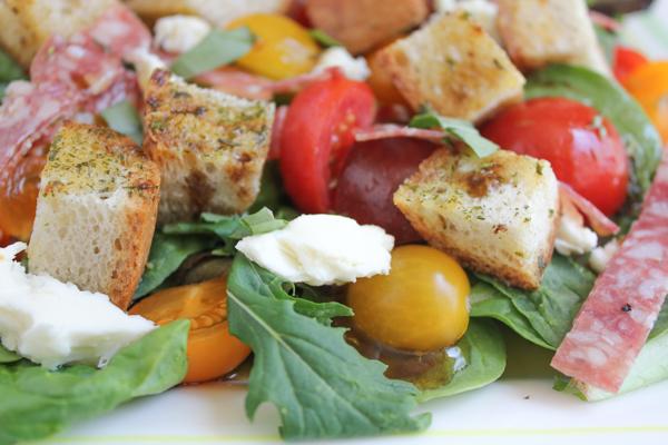 Hip Foodie Mom | Panzanella Salad with Salami_closeup