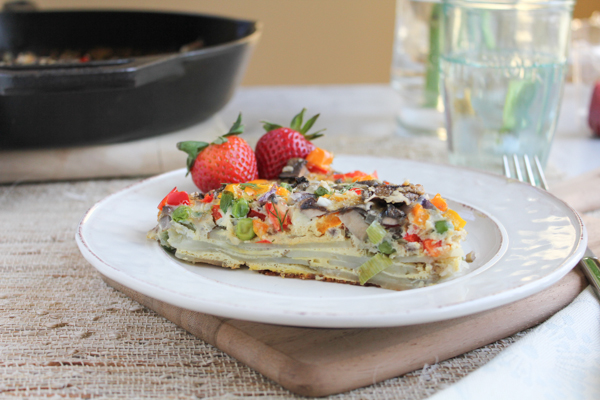 Veggie and Scalloped Potato Frittata_main | HipfoodieMom.com