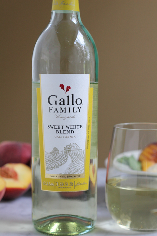 Gallo Sweet White Blend_poured