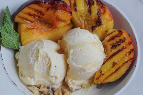 Grilled Peaches and Ice Cream by Hip Foodie Mom