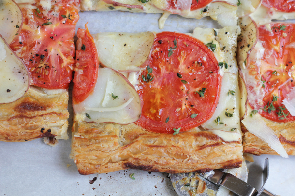 Hip Foodie Mom | Summer Potato and Tomato Tart_upclose