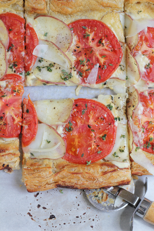 Hip Foodie Mom | Summer Potato and Tomato Tart_vert_sliced