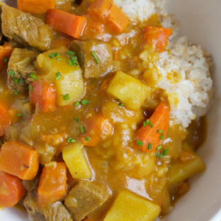 Korean Curry Rice! Filled with chunks of potatoes, carrots, beef and sweet potatoes, this hearty bowl of curry will hit the spot!