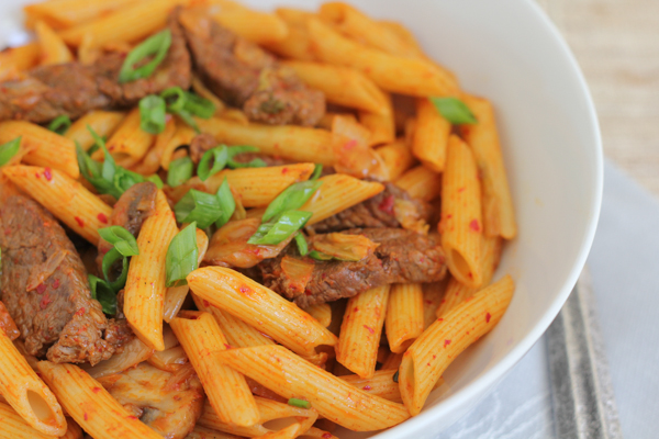 Spicy Korean Penne Pasta with Beef. #koreanfood #kimchi #pasta #penne ...