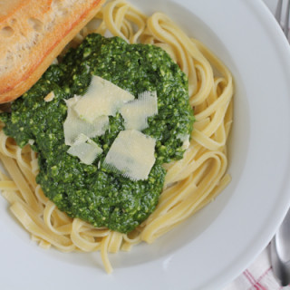 Spinach Pesto with Almond Flour Pasta