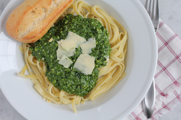 Spinach Pesto with almond flour pasta. Gluten free, grain free and delicious!! #glutenfree #grainfree #pesto