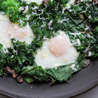 Fried Eggs with Kale and Mushrooms #BrunchWeek