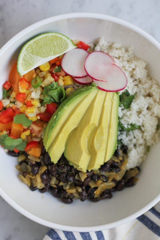Mexican Cauliflower Rice Bowls!! Low-carb, vegan, fresh, fast, incredibly easy to make and delicious!  #Mexicanfood #vegan #yum