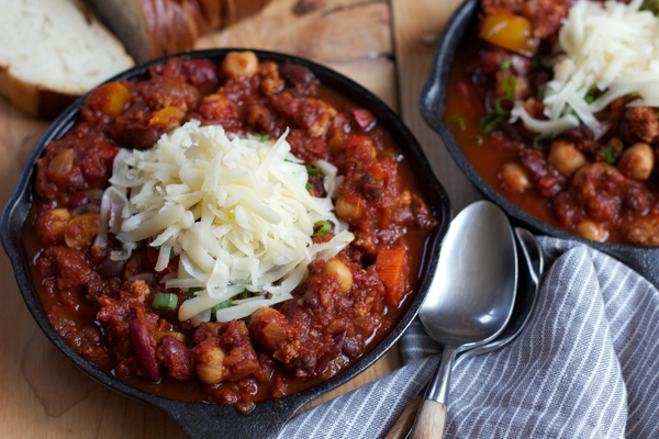 Delicious Turkey Chili with Wisconsin Farmer's Cheese. Rich, meaty and bursting with flavor. One of my go-to dinners that the entire family loves! #spon @wisconsincheese
