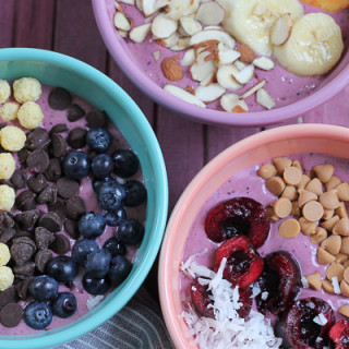 Berry Smoothie Breakfast Bowls