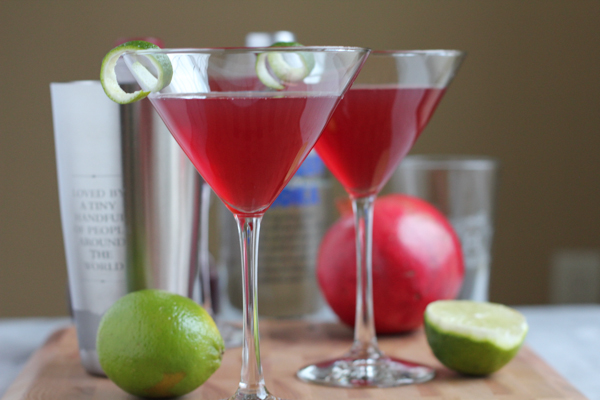 25 Cocktails for New Years Eve!! Whether you are looking for a cocktail, or mocktail, this round-up is for you! Happy New Year's Eve!!!