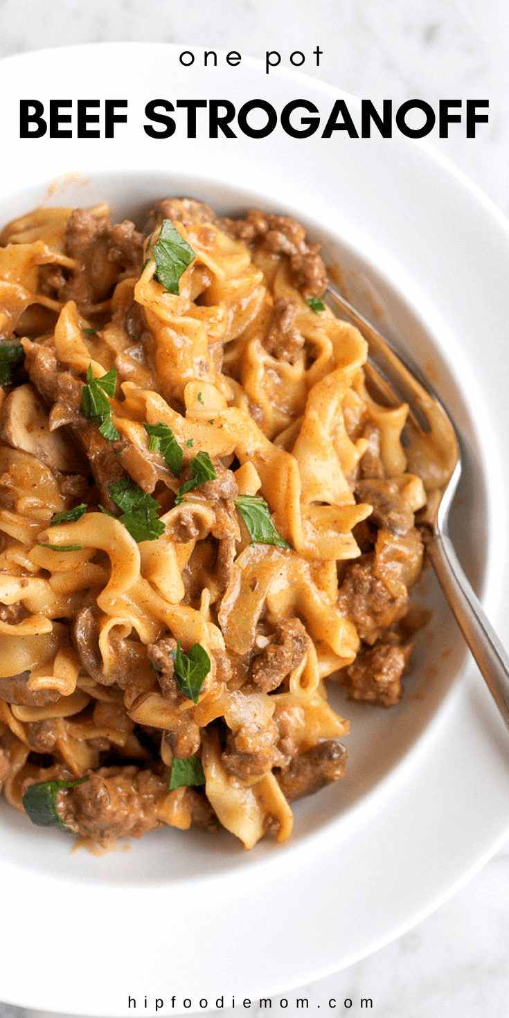 Quick, easy and delicious One Pot Beef Stroganoff!! Perfect for a weeknight meal and will have your family asking for seconds!  #onepotdinner #beefstroganoff #easybeefstroganoff #dinner #maincourse #pasta