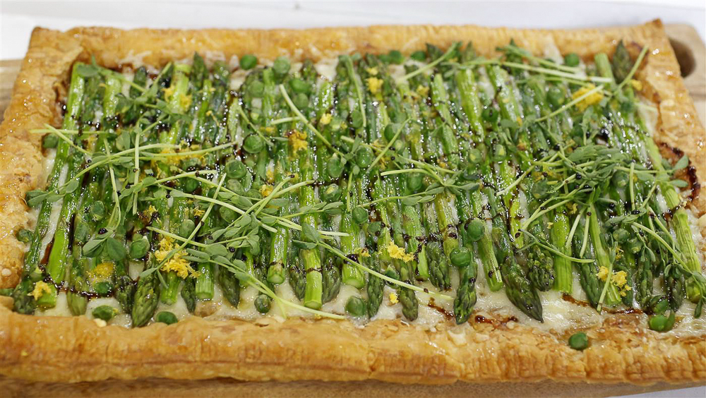 alice-choi-asparagus-gruyere-tart-today-20160425-tease_787866989717eddfd1af672090f519e3.today-inline-large2x