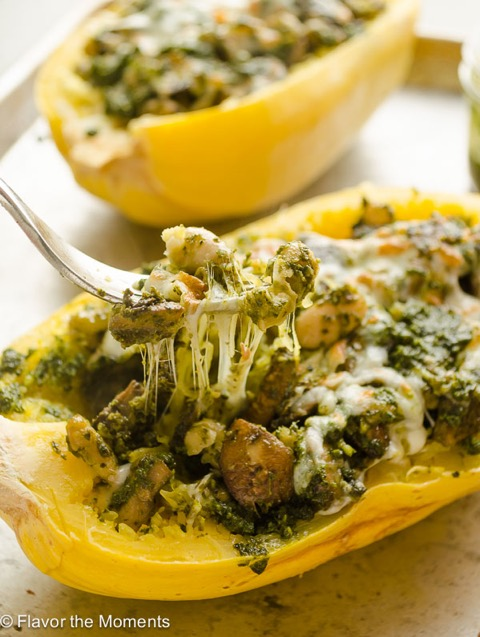 Healthy Weekly Meal Plan 1.14.17! Check out this week's meal plan featuring Cheesy Pesto Vegetarian Spaghetti Squash Boats, an Indian Curry Chicken Bowl, One Pot Lemon Chicken Tortellini Soup and more!
