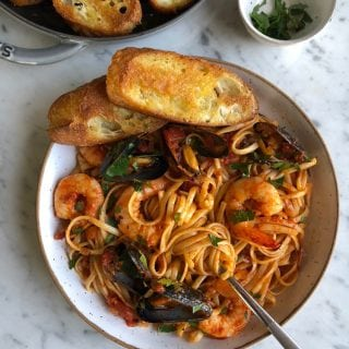 Seafood Pasta with Linguine Shrimp and Mussels