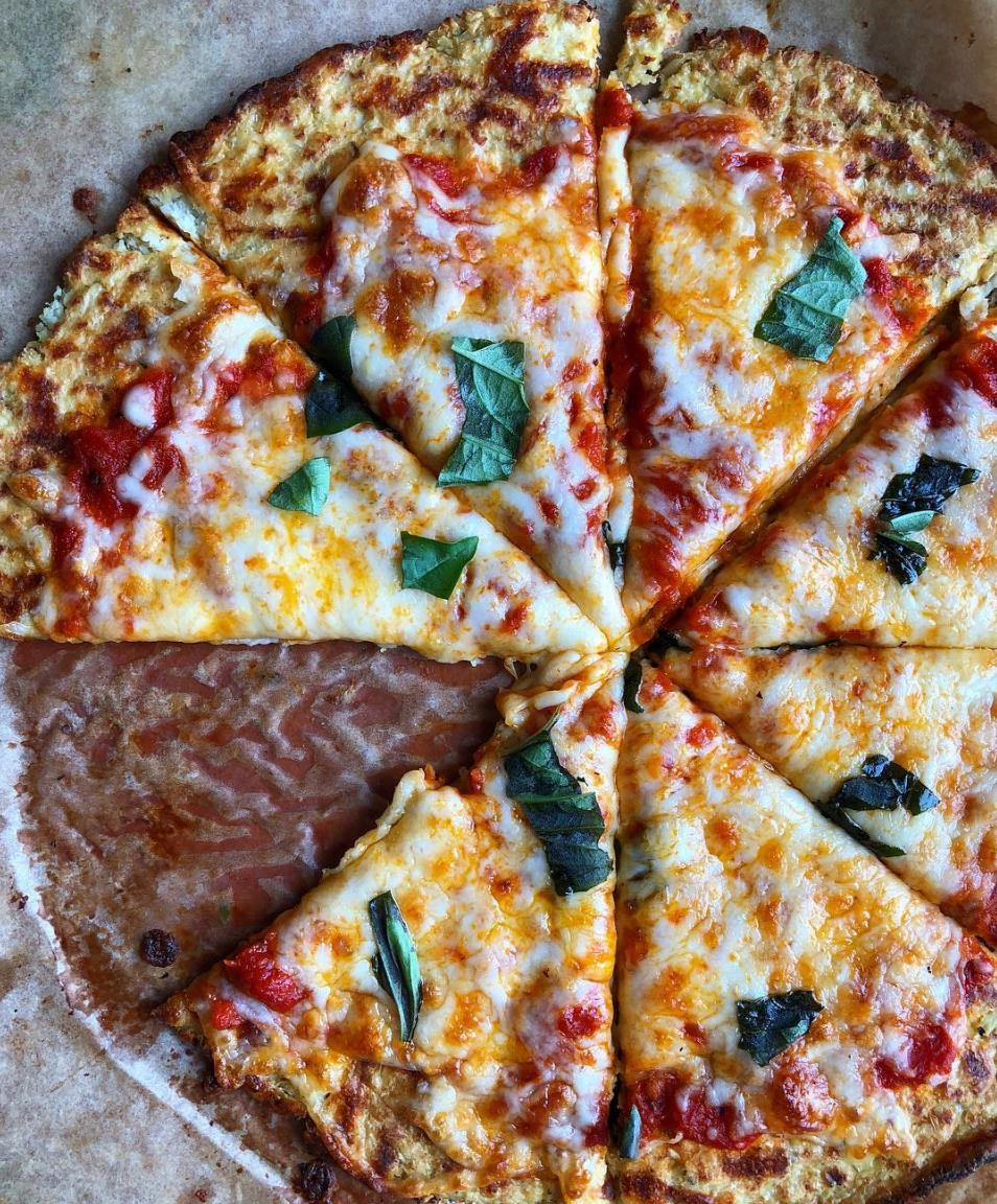 Cauliflower Pizza Crust! Low carb and cauliflower lovers, pay attention! I'll show you two ways to prepare this crust. It's so good and such a delicious way to make pizza!